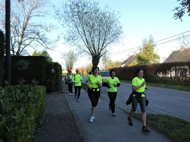 http://joggingclubmoerbeke.be/2014/s2r/s2r5.jpg